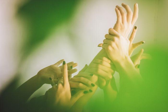 team-building-activities-human-knot