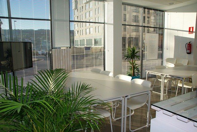 office-space-1744801_640